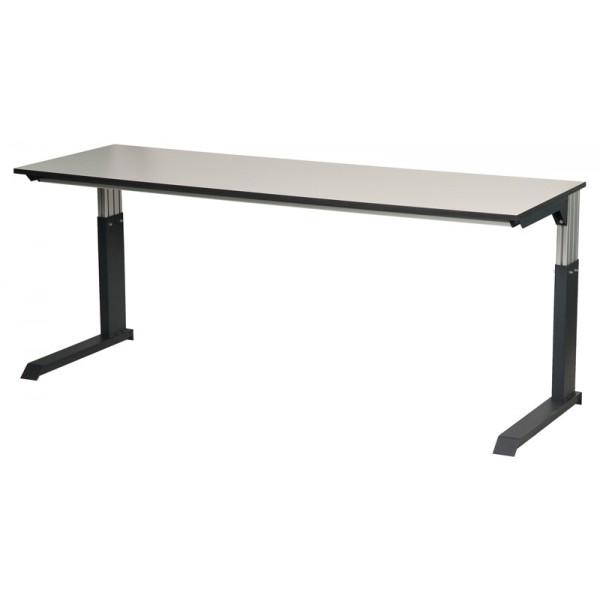 table d 39 atelier assis debout. Black Bedroom Furniture Sets. Home Design Ideas