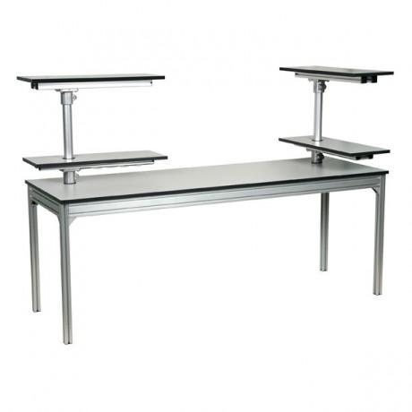 Tables avec étagères rotatives